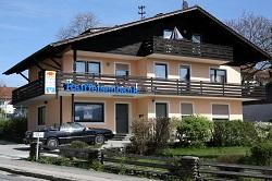 Raiffeisenbank Eschlkam-Lam-Lohberg-Neukirchen b. Hl. Blut eG , Raiffeisenbank Eschlkam-Lam-Lohberg-Neukirchen b. Hl. Blut eG - Geschäftsstelle Haibühl, Dorfstr. 1, 93474, Haibühl
