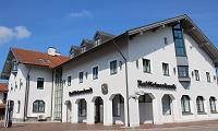 Raiffeisenbank Griesstätt-Halfing eG, Hauptgeschäftsstelle Halfing, Raiffeisenbank Griesstätt-Halfing eG, Hauptgeschäftsstelle Halfing, Kirchplatz 8, 83128, Halfing