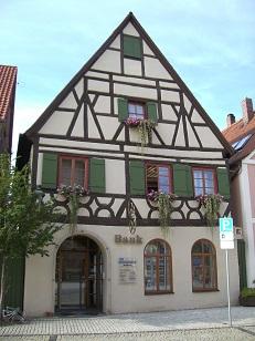 Raiffeisen – meine Bank eG , Raiffeisen – meine Bank eG , Marktplatz 14, 91180, Heideck