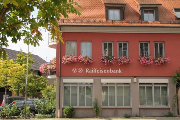 Raiffeisenbank Kaiserstuhl eG, Raiffeisenbank Kaiserstuhl eG Geschäftsstelle Oberbergen, Kirchstr. 7, 79235, Vogtsburg