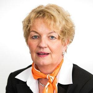 Birgit Lucki, Finanzierungsberaterin