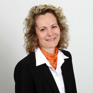 Kornelia Schier, Serviceberaterin