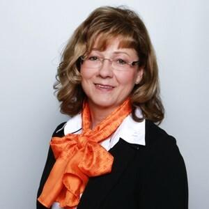 Angela Langbein, Filialdirektorin