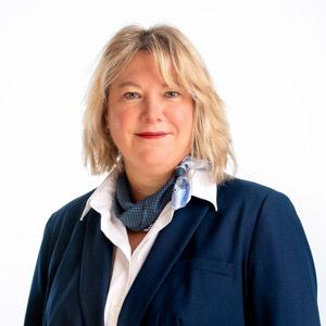 Stefanie Bärthel, Filialdirektorin
