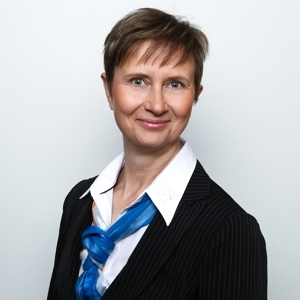 Elke Hachenberger, Serviceberaterin