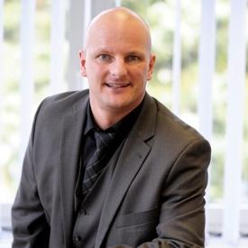 Steffen Linsmayer, Kundenberater Generationenberater