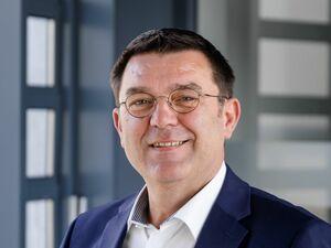 Uli Weichselgartner (Leiter Versicherungen), Versicherungsreferent für Firmenkunden