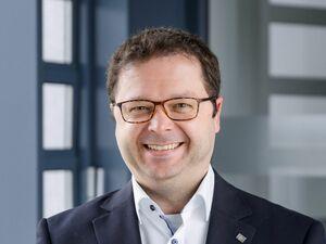 Stefan Steininger (Bankstellenleiter), Anlageberater