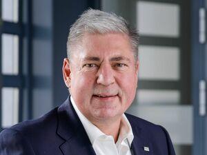 Klaus Locker, Firmenkundenberater