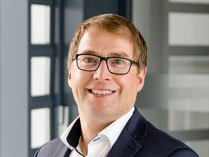 Martin Strobl (Bankstellenleiter), Anlageberater