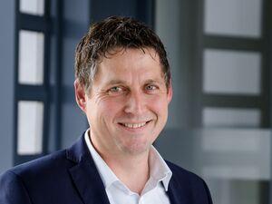 Markus Kellerer (Bankstellenleiter), Vermögensberater