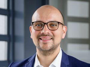 Christoph Angermeier (Bankstellenleiter), Anlageberater