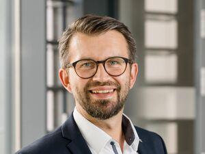 Manuel Geidobler (Bankstellenleiter), Anlageberater