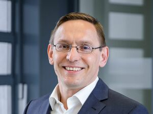 Hubert Löffelmann (Bankstellenleiter), Anlageberater