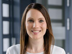 Anja Ludwig, Anlageberaterin