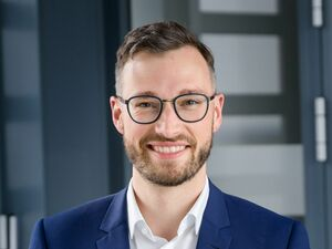 Michael Lanzinger, Firmenkundenberater