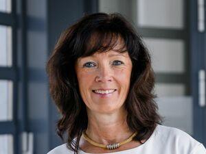 Claudia Schulhauser, Anlageberaterin