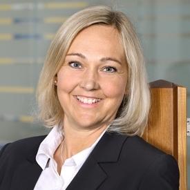 Stephanie Condé, Kundenservice