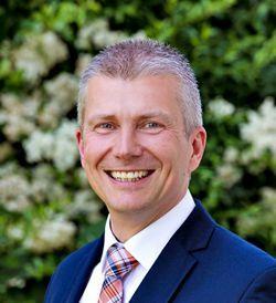 Michael  Klober, Zweigstellenleiter