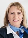 Bettina Pest, Service- und Marktassistenz